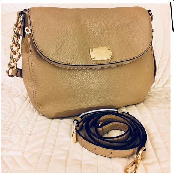 687880dd43b3e9 Michael Kors Bags | Mk Leather Cross Body Bag | Poshmark